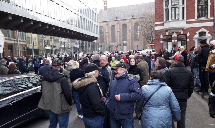 Nazispuk vor WDR am Kölner Appelhofplatz
