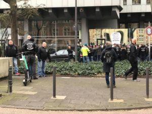 """Foto der Bruderschaft Deutschland auf """"Umwelsau"""" Demo am 29. Dez. 2019 am Kölner Appellhofplatz"""
