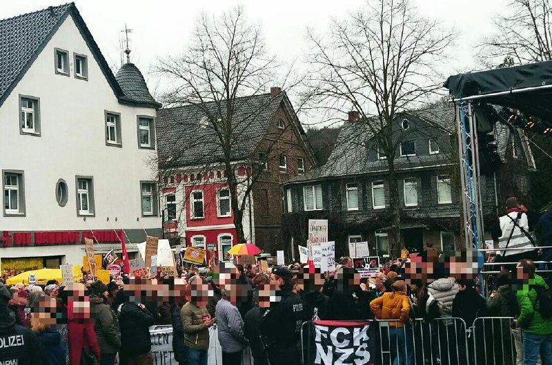 Breiter Protest in Overath gegen AfD-Veranstaltung